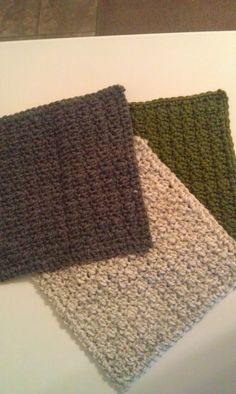 Missed Stitches: The Ideal Dish Cloth: Free Crochet Pattern ✿⊱╮Teresa Restegui http://www.pinterest.com/teretegui/✿⊱╮