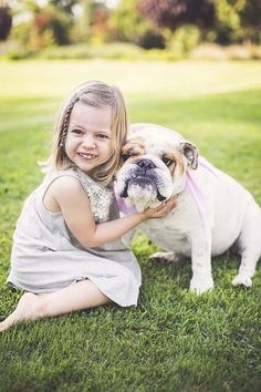 little girl and her English Bulldog sitting on grass, best friends, girl and her… - Dog Photography Dogs And Kids, Animals For Kids, Cute Animals, Big Dogs, Dog Photos, Dog Pictures, Family Pictures, Funny Dogs, Cute Dogs