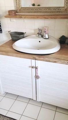 Glücksfeder Blog: Ein Beitrag über den spontanen Umbau unseres Bades Renovieren und Dekorieren Altes Haus, neues Bad, So hübsch haben wir unsere hässliche Heizungstherme verkleidet DIY Do-it-yourself: Wir haben unseren Waschbeckenunterschrank selbst gebaut Marke Eigenbau