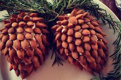 24 Christmas Finger Food Ideas » Pine Cone Cheeseball
