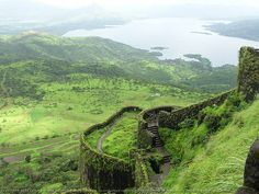 Worlds End, Horton Plains, Sri Lanka (www.secretlanka.com)