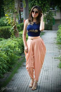6 Different Outfit Ideas To Style Your Dhoti Pants With In 2018 Dhoti pants are high on trend right now! Here are 6 different outfit ideas to style for dhoti pants with. Dress Indian Style, Indian Dresses, Indian Outfits, Abaya Style, Western Dresses, Indian Designer Outfits, Designer Dresses, Mode Abaya, Look Short