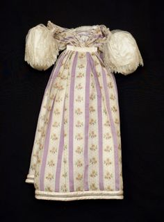 Dress 1820-1830. Snowshill Manor © National Trust / Simon Harris