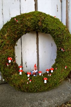 Another cool DIY wreath option for Xmas. Giggling Gnome Wreath.