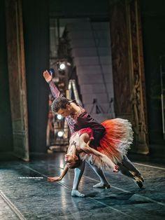 Polina semionova in John Neumeier's Nutcracker Dance All Day, Kinds Of Dance, Lets Dance, Dance Art, Ballet Dance, Polina Semionova, Russian Ballet, Ballet Photos, Dance Movement