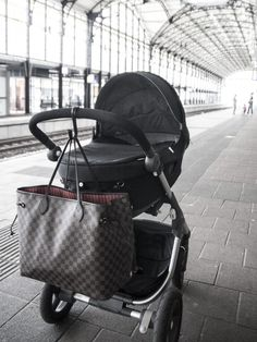 Trailz Stokke Stroller Louis Vuitton Damier Neverfull with Ikea kitchen  hook covered in leather 07b75a0125f69
