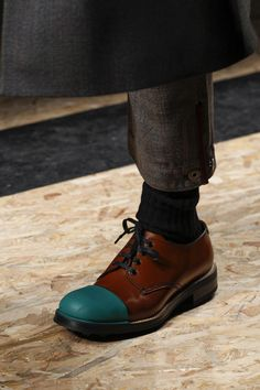 See detail photos for Prada Fall 2016 Menswear collection.
