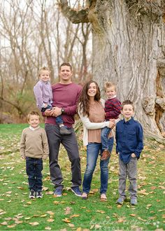 What to wear for family pictures, four boys, family of six; Heather Telford Photography