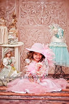 Dress Me Up.. Big Pink Floppy Tea Party Feather Hat .. Great for Photo Props, Dress Up Dates and Weddings