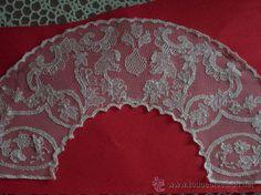 precioso cuello para virgen bordado en hilo de seda sobre tul hecho a mano
