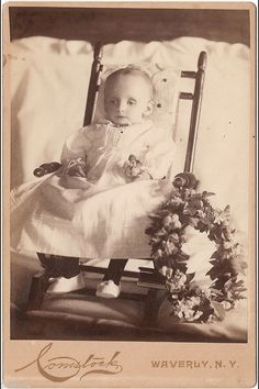 RARE Post Mortem Photograph of a Seated Toddler by Comstock of Waverly, New York Victorian Photos, Victorian Era, Fotografia Post Mortem, Vintage Photographs, Vintage Photos, Memento Mori Photography, One Of Us, Post Mortem Pictures, Post Mortem Photography
