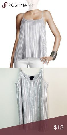 Metallic Pleated Top Gorgeous Metallic Pleated H&M Top ! NWOT ! H&M Tops