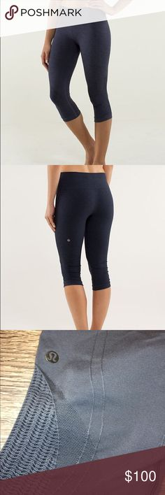 lululemon The Flow crop size 6 Never been worn (but all tags off) lululemon size 4 The Flow Crop size 6 seamless 🚫trades lululemon athletica Pants Leggings
