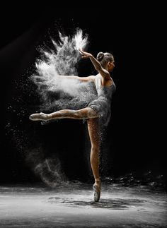 Community about Classical Ballet, Modern Dance and Rhythmic Gymnastics Ballet Art, Ballet Dancers, Ballerinas, Shall We Dance, Lets Dance, Tumblr Ballet, Dance Baile, Dance Poses, Ballet Photography