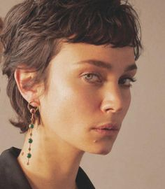 Best Picture For punk hair For Your Taste You are looking for something, and it is going to tell Short Curly Hair, Short Hair Cuts, Curly Hair Styles, Hair Day, New Hair, Hair Inspo, Hair Inspiration, Growing Out Hair, Grunge Hair