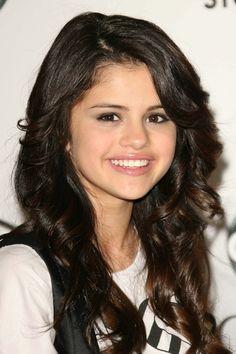 pop singer and actress Selena Gomez Hair, Selena Gomez Style, Spy Kids, Marie Gomez, Celebs, Celebrities, Woman Crush, Celebrity Crush, Her Style