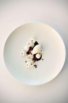 blackberry caviar, coconut mousse, coconut crumb, coconut yolk, blackberry puree