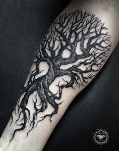"Tree tattoo by <a class=""pintag searchlink"" data-query=""%23DmitriyTkach"" data-type=""hashtag"" href=""/search/?q=%23DmitriyTkach&rs=hashtag"" rel=""nofollow"" title=""#DmitriyTkach search Pinterest"">#DmitriyTkach</a>. Photo: Instagram."