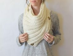 Two Ways Giant Knit Cowl | AllFreeKnitting.com