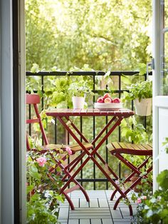 Balcony seating is now open for the season! Add a pop of color to your backyard, patio or outdoor space with IKEA MÄLARÖ table and chairs.