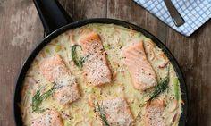 Linda Stuhaugs oppskrift på laks med kremet parmesansaus er en populært rett som gir nytt liv til laksefileten. Parmesan, Food And Drink, Dinner, Cooking, Breakfast, Recipes, Dining, Kitchen, Morning Coffee