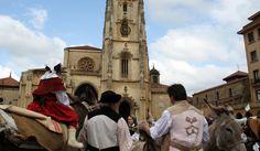Mercau astur en la plaza de La Catedral. Feria de La Ascensión
