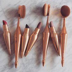 make-up dark lipstick gold bathroom pink lipstick gold makeup brushes lipstick red lipstick purple lipstick