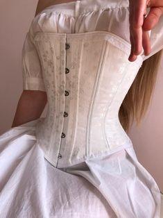 Victorian Corset rosebud, Victorian white corset with rose pattern Vintage Corset, Victorian Corset Dress, White Corset Dress, Corset Dresses, Victorian Dresses, Black Corset, Corset Outfit, Diy Corset, Underbust Corset