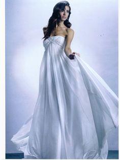 Elegant bridal at Les Habitudes!