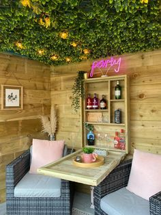 Small Summer House, Corner Summer House, Summer House Garden, Summer Houses, Garden Bar Shed, Garden Nook, Corner Garden, Gin And Prosecco, Prosecco Glasses