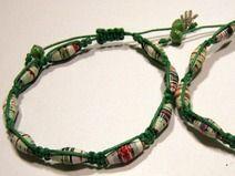 Knotenarmband Makramee grün mit Papierperlen