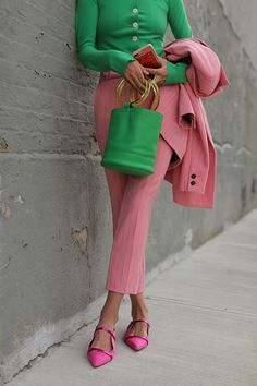 Thinking in pink // Blair Eadie wearing a head-to-toe spring suit in pink by Ganni // Click through to see more pink suiting and a colorful spring suiting guide on Atlantic-Pacific Source by atlanticpacific Ideas spring Green Fashion, Colorful Fashion, Look Fashion, Spring Fashion, Fashion Outfits, Fashion Trends, Fashion Ideas, Fashion Tips, Color Blocking Outfits