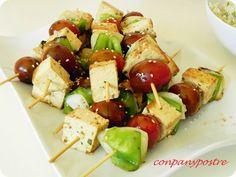 """Con pan y postre: Pinchitos de tofu con """"cuscús"""" de coliflor"""