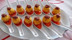 Easy Canapes, Canapes Ideas, Ideas Para Canapés, School Snacks, Sushi, Buffet, Lunch Box, Appetizers, Menu