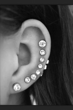 Information about your ear lobe, cartilage, and tragus piercings♔ Cute Ear Piercings, Multiple Ear Piercings, Body Piercings, Cartilage Piercings, Tongue Piercings, Rook Piercing, Gauges, Septum, Piercings Bonitos