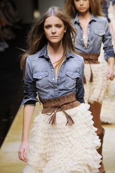 Denim & Tulle ... not sure I could pull this off on a regular day out but if i was famous i would rock this
