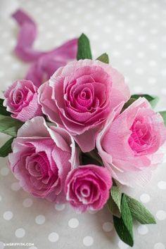 Prachtige rozen die je zelf maakt van crepe papier. Hoe? Dat kun je lezen op de website van Freubelweb: weeweeweepuntfreubelwebpuntenel
