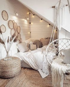 40 Great Home Decor Ideas To Inspire Your Teen Room Decor Ideas Decor Great home Ideas Inspire Girl Bedroom Designs, Room Ideas Bedroom, Home Decor Bedroom, Boho Teen Bedroom, Bed Room, Aesthetic Room Decor, Cozy Room, Dream Rooms, My New Room
