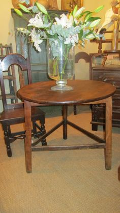 Antiques Tables Low Boy Elegant Appearance Sincere Stunning Period Walnut & Fruitwood Antique Side Table