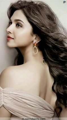 Beautiful Indian Bollywood, Bollywood Stars, Bollywood Actress, Vintage Bollywood, Indian Film Actress, Indian Actresses, Full Figure Dress, Celebrity Prom Dresses, Dipika Padukone