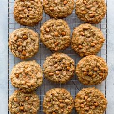 These soft & chewy oatmeal scotchies are the best oatmeal butterscotch cookies! They're buttery, cinnamon-spiced, and packed with butterscotch chips in each bite. Oatmeal Scotchies, Oatmeal Chocolate Chip Cookies, Gourmet Recipes, Cookie Recipes, Scotcheroos Recipe, Sallys Baking Addiction, Butterscotch Chips, Best Oatmeal, Cooking