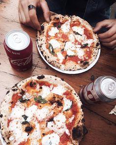 "Gefällt 4,476 Mal, 48 Kommentare - Sendi Skopljak (@skopljak) auf Instagram: ""Pizza anyone? """