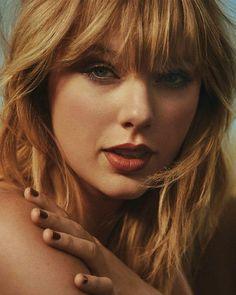 Taylor Swift Country, Taylor Swift Style, Taylor Swift Photoshoot, Taylor Lyrics, Celebrity Stars, Red Taylor, People Magazine, Celebs, Celebrities