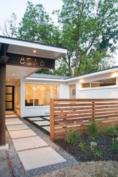 41 Best Privacy Front Yard Design Ideas The front yard landscap… - Garten Landschaftsgestaltung Path Design, Fence Design, Garden Design, Design Ideas, Modern Front Yard, Front Yard Design, Modern Fence, Garden Modern, Low Maintenance Landscaping