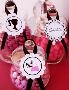 barbie birthday party ideas | Fazendo a Minha Festa Infantil: Festinha Barbie Silhueta Preto e Pink!
