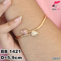 Gold Bangles Design, Gold Earrings Designs, Bracelet Designs, Jewelry Design, Gold Jewelry Simple, Gold Rings Jewelry, Gold Jewellery, Bridal Jewelry, Gold Bracelet For Women