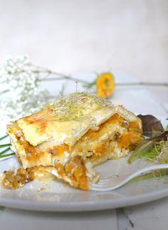 Vegetarian lasagna made with butternut squash & textured soy proteins. Delicious!    Lasagnes végétariennes à la courge butternut & protéines de soja texturées. Un délice --> www.lesrecettesdejuliette.fr