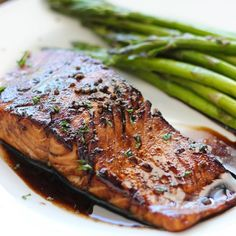 Here's a quick and easy balsamic glazed salmon recipe for salmon lovers. With a sweet and tangy balsamic sauce and ready in under 30