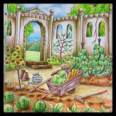 Instagram media 44non0904 - 最近ペース上がってる#大人の塗り絵 お城の菜園完成(و'ω')و…