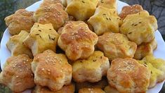 Bread And Pastries, Bread Rolls, Pretzel Bites, Muffin, Food And Drink, Cooking Recipes, Ih, Baking, Vegetables